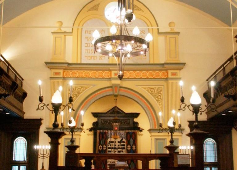 """בית הכנסת העתיק - צילם: משה מילנר, לע""""מ"""