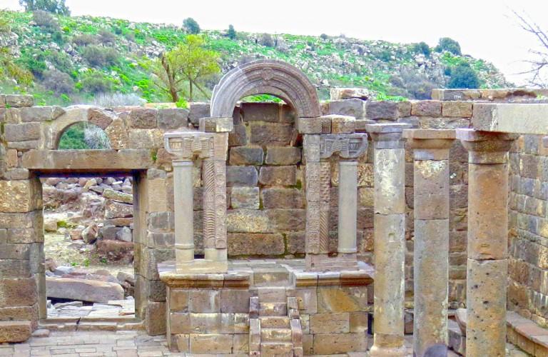 הכפר היהודי העתיק בעין קשתות (״אום אל ׳קנאטיר׳)